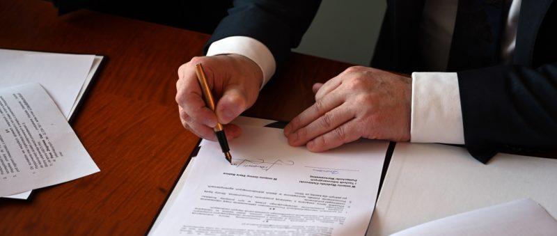 Podpisanie porozumienia owspółpracy zPolitechniką Warszawską